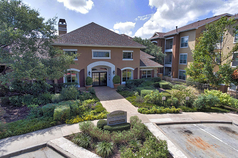 Cypress Creek Apartment Homes at Lakeline Boulevard — Cedar Park, Texas